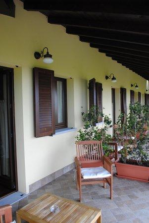 Agriturismo Marco : il terrazzo delle camere
