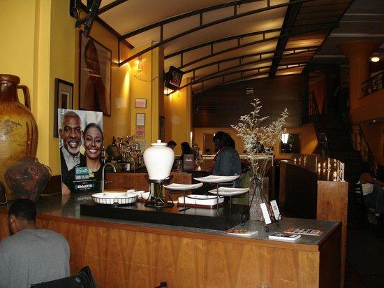 B Smith's Restaurant: The bar