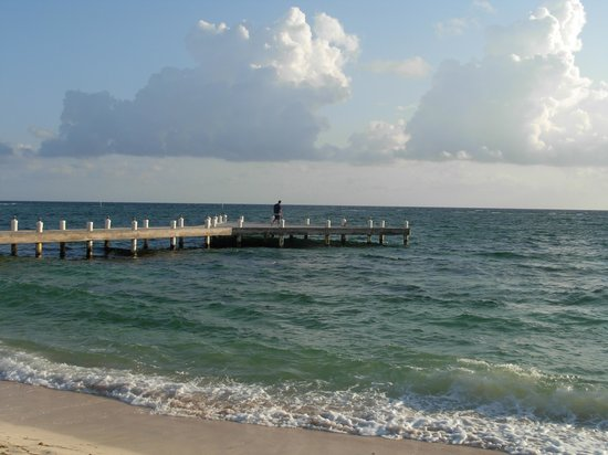 Wyndham Reef Resort: Pier.