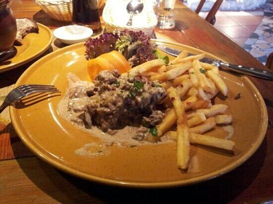 Lets stoofvlees met frietjes foto van province riga for Letse keuken