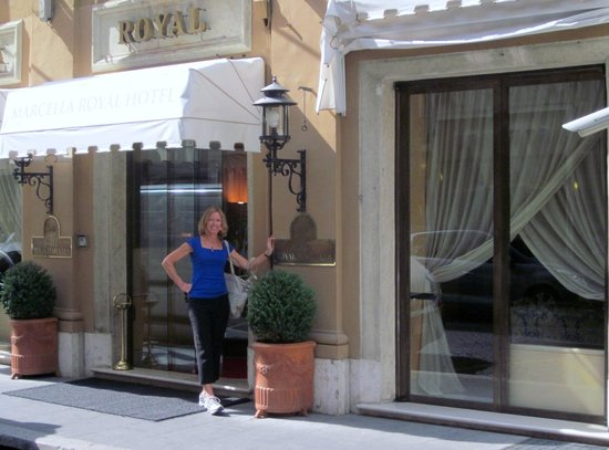 Marcella Royal Hotel: Hotel entrance