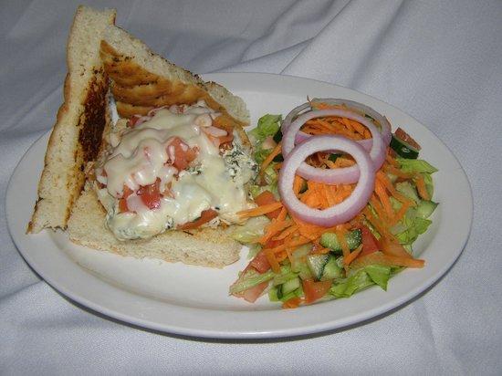 All Seasons Inn & Restaurant : Chicken Mozza