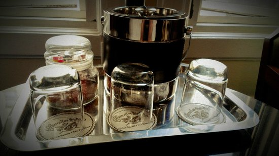 Chancellor Hotel on Union Square: Loved the small touches like the candy jar.