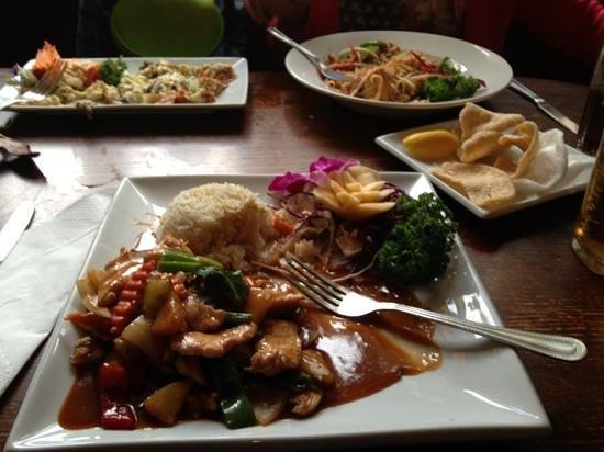 Bingley Arms: early bird Thai meal