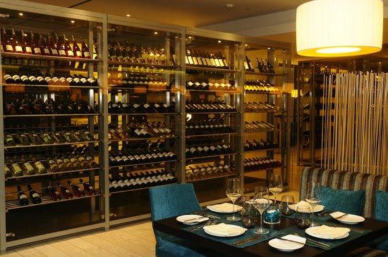 Vitruvio Restaurant: Wine Library