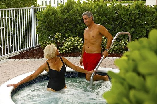 Lovers Key Resort: Enjoy quiet time in the hot tub.