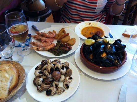 El Tiberi bufet gastronomía tradicional catalana: de la mar y de la tierra