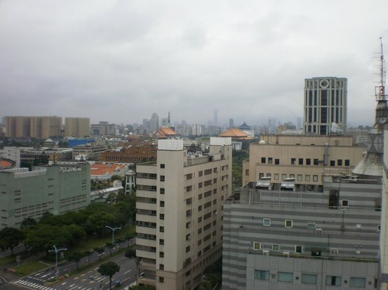 Taipei Garden Hotel: View from room at 15th floor