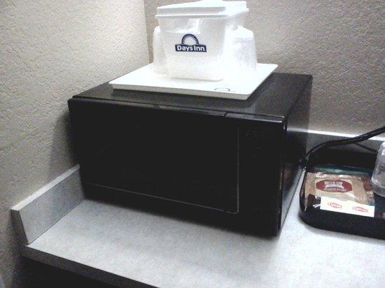 Days Hotel Boulder: Mircrowave! Fridge as well ...