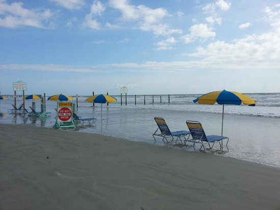 Boardwalk Inn and Suites: beach in a.m. next to the hotel & past the ramp