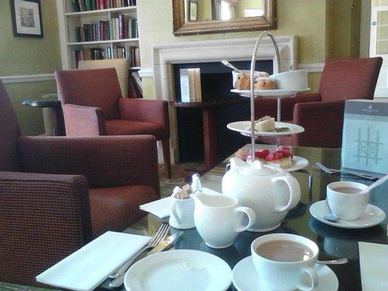 Richmond Gate Hotel: High tea at the Richmond Gate