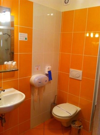 Hotel Senimo: Bathroom
