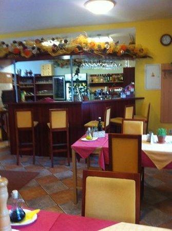Hotel Senimo: Hotel bar