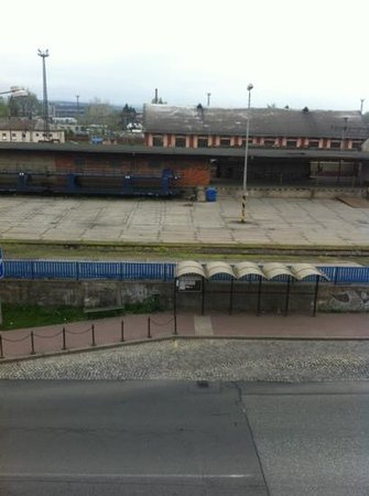 Hotel Senimo : View from the room - railway station!!!