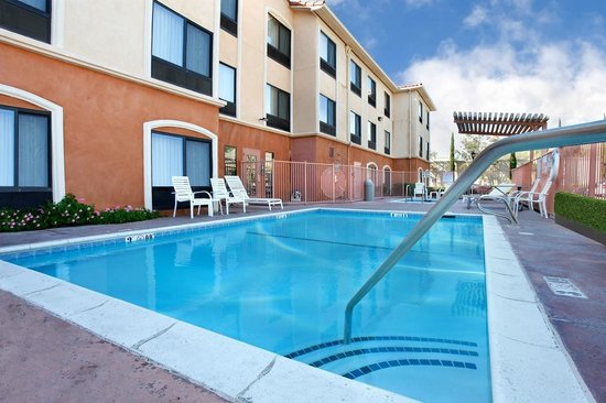 Prominence Hotel & Suites: Outdoor Heated Pool and Jacuzzi