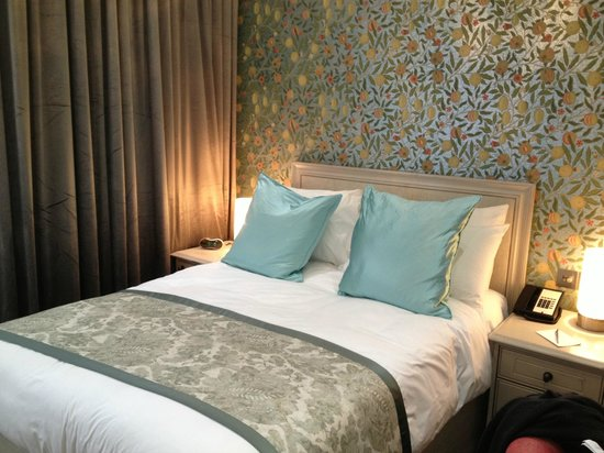 W12 Rooms : Double Room