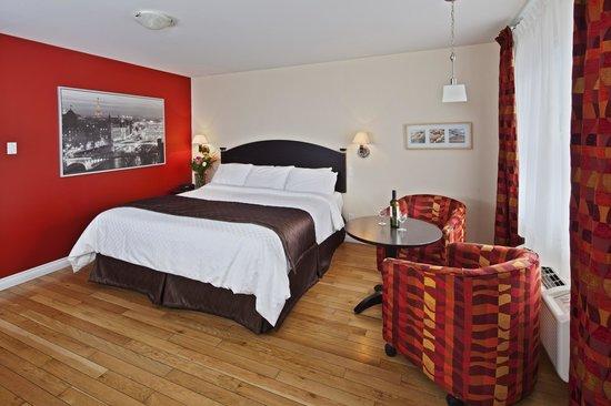 Hotel-Motel Castel de la Mer : Grand-Luxe Studio with a King size bed