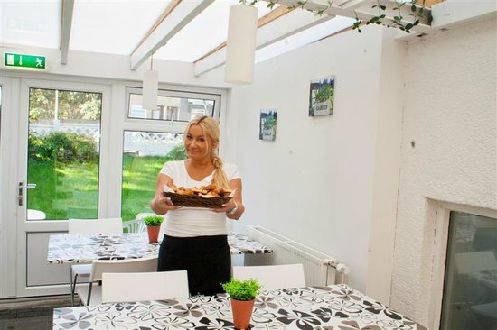 Reykjavik Hostel Village: Breakfast is Served