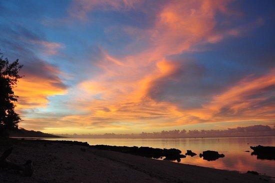 Beach Cocomo: Sunrise at Cocomo