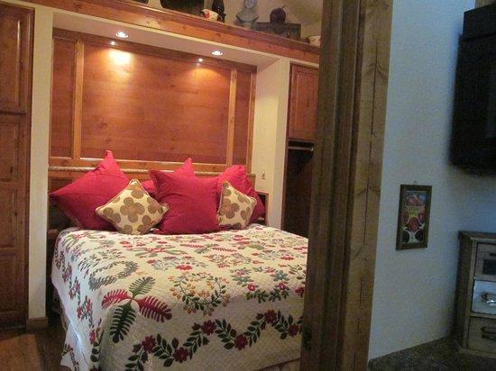 Allseasons Treehouse Village: Cabin #6