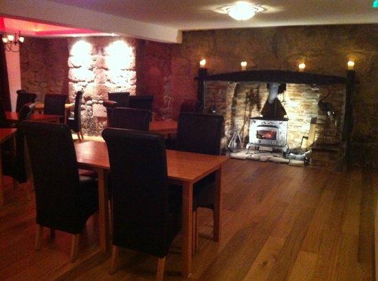 The Waterwheel Inn: Resturant