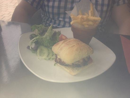 New Moon Restaurant : pork, beef and chorizo burger