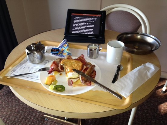Glades Motor Inn: Excellent whopper cooked meal with a pot of coffee.