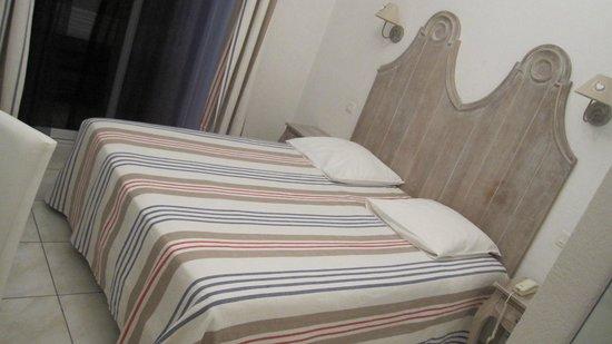 la caravelle : Le lit