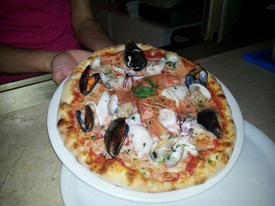 Il Porticciolo di Caletta : La pizza....Caletta