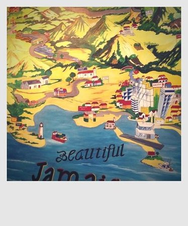 CocoLaPalm Resort: mural in the lobby