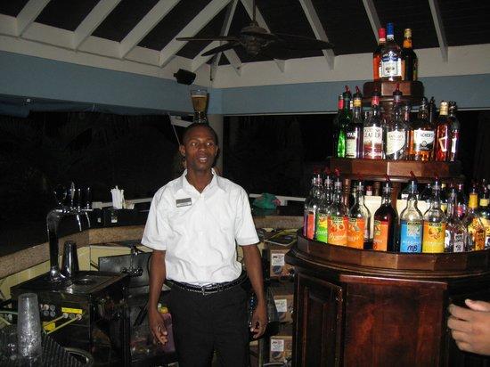 Sensatori Jamaica by Karisma: Junior at the Bar