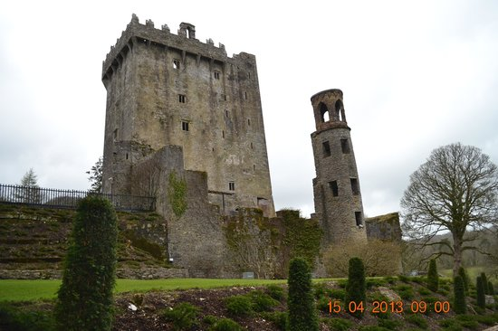 Blarney Castle & Gardens: Side View