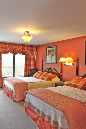 RiverGate Mountain Lodge & Wedding Chapel: Newly Renovated Room 101
