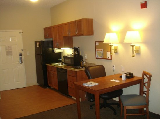 Candlewood Suites New Bern : Wheel chair Accessible Room