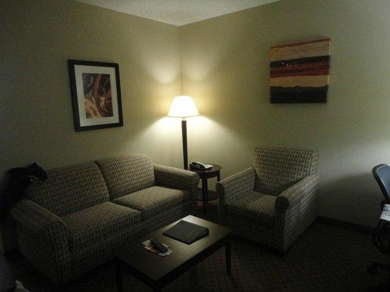 Holiday Inn Bristol Conference Center: Sitting room