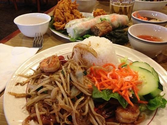 Quang Restaurant : Add a caption