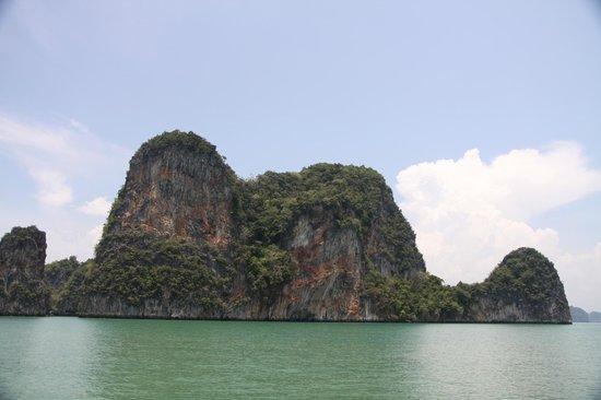 Phuket Sail Tours: Limestone island in the bay