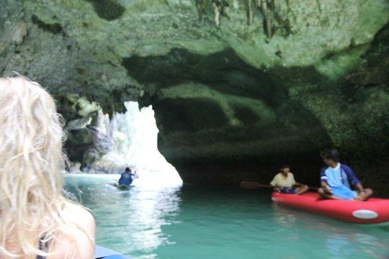 Phuket Sail Tours: Cave and Hong Tour on kayak