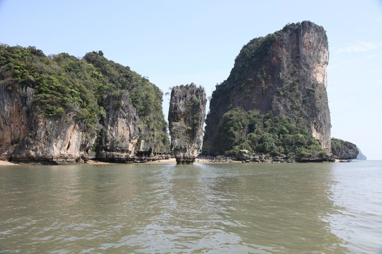 Phuket Sail Tours: James Bond Island drive-by