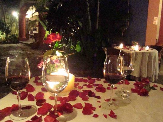cena romantica con velas picture of hotel casa