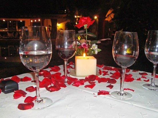 Cena romantica con velas picture of hotel casa - Sorpresas romanticas en casa ...