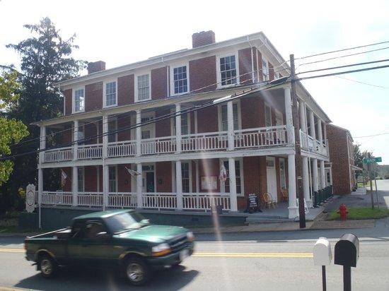 Lafayette Inn & Restaurant: The Lafayette Inn