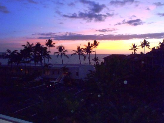 Outrigger Royal Sea Cliff: sunset