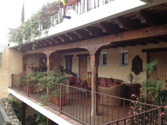 Hotel Meson de Maria: Terraces throughout the hotel