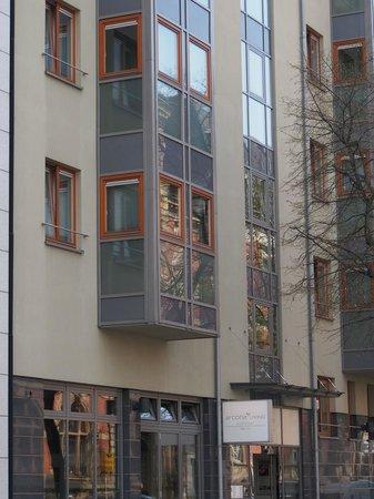 arcona LIVING GOETHE87 : Entrance from street