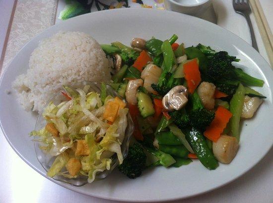 Szechwan Cafe: 貝柱と野菜炒め