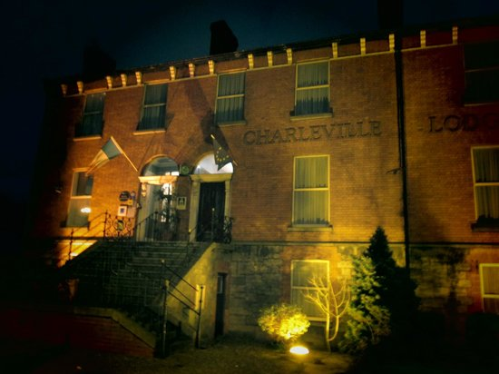 Charleville Lodge: The charming exterior that made us come in