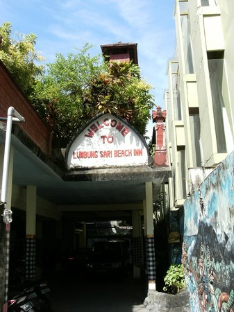 Hotel Lumbung Sari: hotel entrance