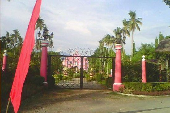 Beautiful View Picture Of Villa Escudero Tiaong