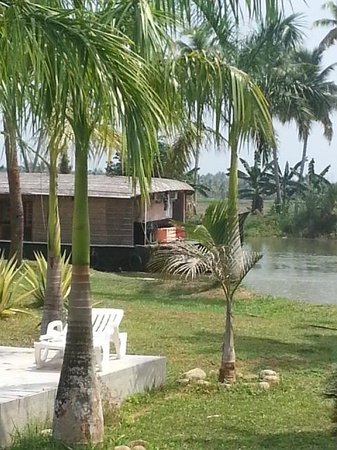 Manor Backwater Resort: room with a view